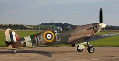 Spitfire 20 20100905 (Steve TB) Tags: canon duxford spitfire vb 2010 iwm supermarine bm597 battleofbritainairshow eos5dmarkii