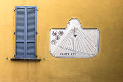 Varenna 0610 (cbonney) Tags: italy house window yellow italia sundial everything residence lombardia rei lecco varenna panta lombardy flows