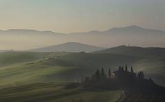 7:10 - la luce dell'est (* onda *) Tags: italy tuscany valdorcia ~~~