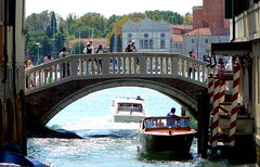 N.3 RIO SCAFI PONTE (aldofurlanetto) Tags: rio ponte venezia scafi