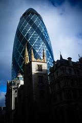 Gherkin (30 St Mary Axe) (plemeljr) Tags: london architecture unitedkingdom britain foster gherkin 30stmaryaxe cityoflondon fosterandpartners {vision}:{sky}=083 {vision}:{sunset}=0501 {vision}:{outdoor}=0982