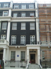 15 Eaton Place, Home of Lord Kelvin (D. S. Haas) Tags: halas haas unitedkingdomofgreatbritainandnorthernireland unitedkingdom uk greatbritain england middlesex london belgravia eatonplace house lordkelvin williamthomson blueplaque historicalplaque englishheritage westminster