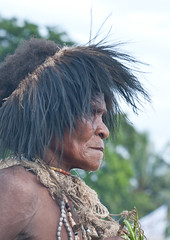 Cassowary head band (Sven Rudolf Jan) Tags: traditional papuanewguinea alotau canoeandkundufestival