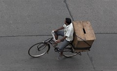 A2399 (lumenus) Tags: street india bicycle cyclist box bombay maharashtra mumbai bandra