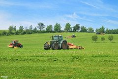 Silage 2016   Pttinger Team! (martin_king.photo) Tags: church grass weather work photo spring team king martin cut top working meadow first tschechische republik machinery machines agriculture silage favorit fendt powerfull zetor forterra eurotop pttinger novacat rfa grassmen 412variotms martinkingphoto thepttingerteam 120hsx novacat302extradry novacat8600edalphamotion pttingereurotop1251a pttingertop662 alphamotion favorit822 rckfahren
