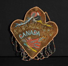 Mohawk Beaded Whimsy Canada (Teyacapan) Tags: canada birds souvenirs beads firstnations mohawk nativeamericans americanindian beadwork kahnawake