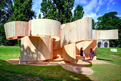Serpentine Summer House 2016 / Barkow Leibinger (Images George Rex) Tags: uk england london westminster architecture unitedkingdom britain curves meadow kensingtongardens plywood twirly 2016 barkowleibinger barewood imagesgeorgerex photobygeorgerex temporarysummerhouse serpentinesummerhouse2016 serpentinearchitectureprogramme