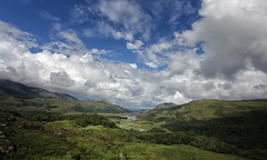 Ladies View - Ring of Kerry, Ireland (Marcus Rahm) Tags: travel ireland sky nature grass clouds landscape nationalpark cloudy outdoor natur irland landschaft gree killarneynationalpark countykerry upperlake ringofkerry
