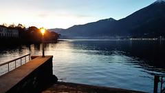bellagio (24) (giangian239) Tags: bellagio lago di como acqua barca panorama vicolo scala pietra veduta turismo laghi lombardi lombardia tramonto sera lampione residenza vacanza villeggiatura riflesso specchio belvedere pontile molo