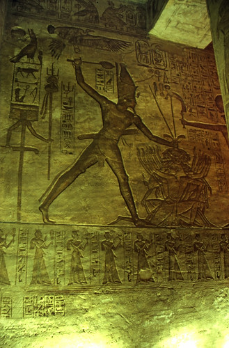 "Ägypten 1999 (134) Assuan: Im Großen Tempel von Abu Simbel • <a style=""font-size:0.8em;"" href=""http://www.flickr.com/photos/69570948@N04/27595822585/"" target=""_blank"">View on Flickr</a>"