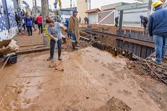 Rompimento adutora Santa Clara 29jun2016-178.jpg (plopesfoto) Tags: gua santaclara lama zonaleste rua barro sujeira alagamento sabesp alckmin adutora interdio rompimento