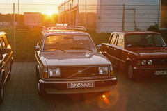 Volvo 245 (amakles) Tags: sunset sun film analog 35mm volvo photo sweden sunny 11 400 200 soviet m42 vista plus zenit analogue agfa russian helios 240 242 245 44m4