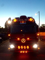 (lewmanuk) Tags: truck mercedes trucks trucking removals v6 coles dutchstyle orangelights haulage mercedestruck actros uktrucks mercedesactros removaltruck hollandstyle uktrucking londontruck