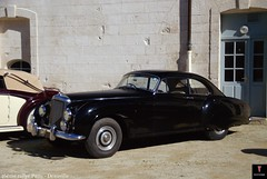 1955 Bentley R-type continental (pontfire) Tags: auto wedding france cars 1955 car nikon automobile continental voiture coche normandie autos mariage oldcars normandy classiccars automobiles bentley coches voitures automobili deauville britishcar antiquecars wagen luxurycars vieillevoiture frenchcars rtype mari bentleycontinental nikond200 rarecars voituredecollection voitureancienne continentalr worldcars voituredeluxe automobileancienne concoursdlgance voiturerare automobilefranaise britishluxurycars pontfire automobiledexception voituredexception automobiledeluxe automobiledeprestige 46meparisdeauville