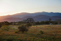 Sunset north of La Entrada (talk2winik) Tags: sunset mountains rural landscape farm honduras february
