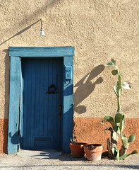Tucson Doorway Arizona (Ilhuicamina) Tags: blue arizona cactus southwest colors azul doors tucson southwestern nopal