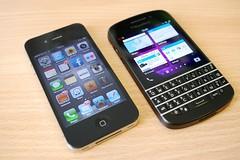 Blackberry Q10 vs iPhone 4
