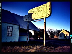 English Motel - Amarillo, TX (Lon_Donner) Tags: abandoned route66 vintagemotelsigns