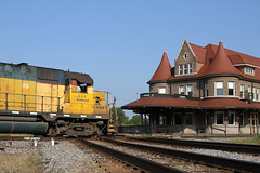 Durand Depot (M. Lastovich) Tags: station bay paint michigan great central lakes grand trains amtrak western trunk depot glc railroads durand gtw saginaw tuscola 393 tsby gp35