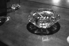 (kocmonosy) Tags: film beer analog 35mm pub brno canonae1program pivo 50mmf18 hospoda ilfordpan100 naproti piveko barnaproti absinthbarnaproti