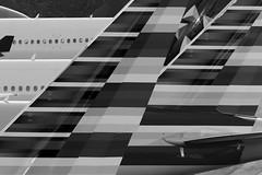 American Stripes (Aidan Formigoni) Tags: brazil bw brasil plane canon airplane rebel blackwhite airport sopaulo aircraft aviation aeroporto american boeing avio airlines americanairlines 777 pretoebranco aa spotting aviao guarulhos gru aviacion 777200er 777300er t4i 77w sbgr 77e canont4i