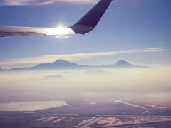 Cold morning (Mayan_princess) Tags: naturaleza mountain nature beautiful mexico volcano view flight vista mexique hermoso montaa popocatepetl mexiko vuelo volcan flucht iztacihuatl