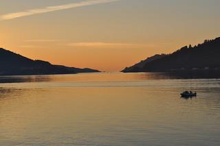 Entrada a la Ría de Ferrol después de la puesta de Sol.