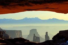 Mesa Arch, Canyonlands NP (Highlandsnapper) Tags: sunrise utah nationalpark sandstone desert erosion canyonlands moab soutwest lasal