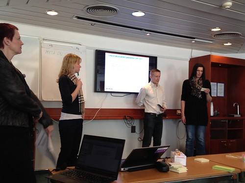 Workshopin tiimityön esittelyä IMG_1402