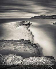 Entre el oleaje y las nubes (Fernando Rey) Tags: sea costa white black beach clouds coast mar long exposure oleaje playa nubes larga exposición