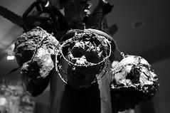 No-mortos (renanluna) Tags: light blackandwhite luz stone brasil wire fuji shadows br head zombie sopaulo sp finepix contraste fujifilm 55 pretoebranco sombras monocromia cabea 011 bienal zumbi arame contrat x100 23mm undeads peedra renanluna fujifilmfinepixx100 nomortos