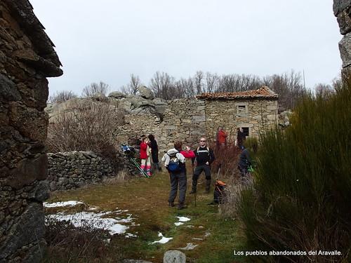 MARCHA-371-los-pueblos-abandonados-valle-de-aravalle-avila-senderismo (16)