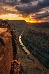 Sunrise at the Grand Canyon | Photography by Guy Schmickle (manbeachrm) Tags: morning pink sunset red sky orange sun nature beautiful silhouette night clouds sunrise warm pretty view gorgeous horizon cloudporn photooftheday skyporn allsunsets instagood instasky tagsforlikes tflers tagsforlikesapp piclogy