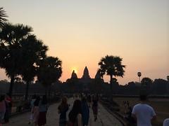 2015-04-05 06.33.47 (tananop_m) Tags: sky architecture sunrise cambodia angkorwat siemreap herritage