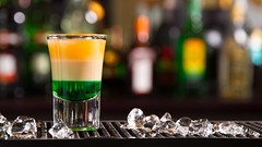 Shottino tricolore, cocktail, chupito (Wine Dharma) Tags: cocktail cocktails cibo triplesec chupito ricette cocktailrecipe cocktailestivi cocktailconvodka cocktailricetta shottiniricette