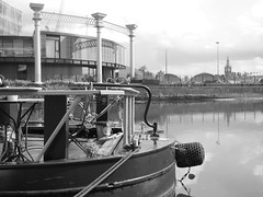 Life on the canal. (Elements That Surprise) Tags: black white blackandwhite mono monochrome monochromatic canal london river boat life