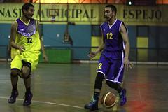 TUCAPEL VS WOLF__33 (loespejo.municipalidad) Tags: chile santiago miguel azul noche amarillo bruna silva deportes jovenes balon rm adultos alcalde competencia basquetbol loespejo