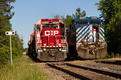 A Rare Meet at Waterdown North! (Ryan J Gaynor) Tags: railroad ontario canada forest train spur colorful industrial railway trains transportation canadianpacific siding rare meet barnes railfan goldenhour waterdown railroading cefx gees44ac emdgp382 hamiltonsubdivision optaminerals watertownnorth