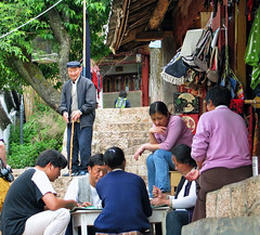 playing mahjong on the path to the top of lion hill - Lijiang, china (Russell Scott Images) Tags: old city lijiang yunnanprovince china wangu pagoda lion hill playing mahjong russellscottimages