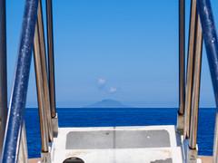 Getting there (rolleh) Tags: milazzo sicilia italy it travel island stromboli