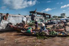 Cai Rang (Can Tho) (aner.mentxaka) Tags: rio river asia market floating vietnam mercado ur mekong floatingmarket cantho merkatu erreka ibai cairang flotante mercadoflotante urgaineko