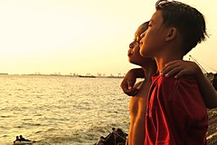 that's what friends are for (DOLCEVITALUX) Tags: friends sunset sea portrait boys bay view philippines manila manilabay canonpowershotsx50hs