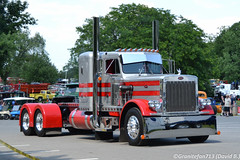 Peterbilt 359 Tractor (Trucks, Buses, & Trains by granitefan713) Tags: macungie atca showtruck antiuqetruck vintagetruck tractor trucktractor peterbilt peterbilttruck peterbilt359 359 sleeper sleepertractor largecar hood longhood customride