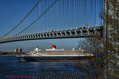 Queen Mary 2 passing under the Verrazano bridge (Phyllis Featherstone) Tags: newyorkcity worldtradecenter statenisland qm2 queenmary2 reallyrightstuff nikond3200 newyorkharbor fortwadsworth ftwadsworth phyllisfeatherstone reallyrightstuffhead queenmaryvz050313 sigma18250macrolens