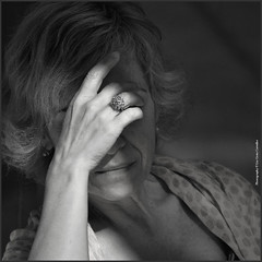 [Dulce Maria Cardoso] Escritora Portuguesa (lia costa carvalho) Tags: portrait bw pb escritores 2013 portugueseartists liacostacarvalho malinconiamelancholy portraitinthestreet themonalisasmile escritorportugus dulcemariacardoso