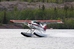 Landing (Jason Pineau) Tags: airplane nt aircraft aviation nwt northwestterritories m4 seaplane yellowknife floatplane maule cgrjn cen9