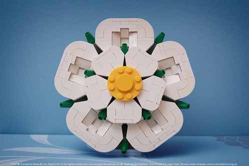 Lego White Rose (Now on LEGO IDEAS)