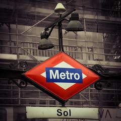 Sol de Madrid (Marisol Torremocha Lpez) Tags: madrid blue red espaa sol azul underground subway spain rojo nikon europa europe metro puertadelsol metromadrid puertasol d7000 nikond7000