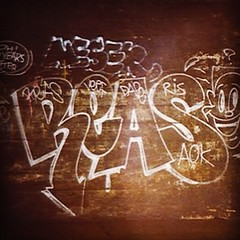 "REAS AOK 1988 Tunnel Rat                            #catellovision #reas #toddjames #aok #1980snycgraffiti #oldschool #graffiti #nycgraffiti #nycsubways #tunnels #silver #throwup #outline  #pmer #pm • <a style=""font-size:0.8em;"" href=""http://www.flickr.com/photos/24978344@N07/13670917364/"" target=""_blank"">View on Flickr</a>"