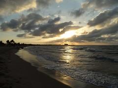 Paisajes en coveñas, Puestas del sol (Nivaldo de Jesus Arenas Correa) Tags: paisajes mar colombia puertoviejo atardeceres playas sucre municipio coveñas tolú golfodemorrosquillo puestasdelsol departamentodesucre lamartha costacaribeña lacaimanera santiagodetolú costaatlánticacolombiana segundaensenada coveñitas coveñeros lacoquerita laprimeraensenada municipiodecolombia tolúycoveñas lavillatresvecescoronadadesantiagodetolú paisajesencoveñas paraísodelcaribecolombiano